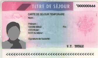 Titres, documents de séjour et de circulation des étrangers non européens